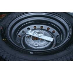 Support roue de secours pour plateaux ou vans